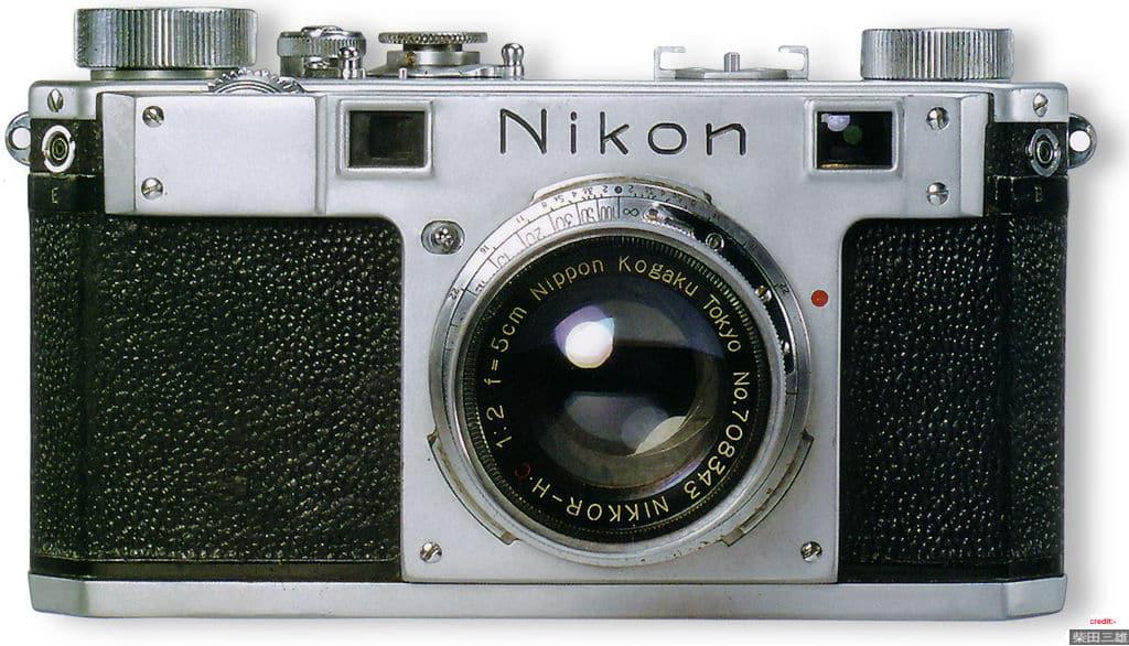 nikon_1_front.jpg