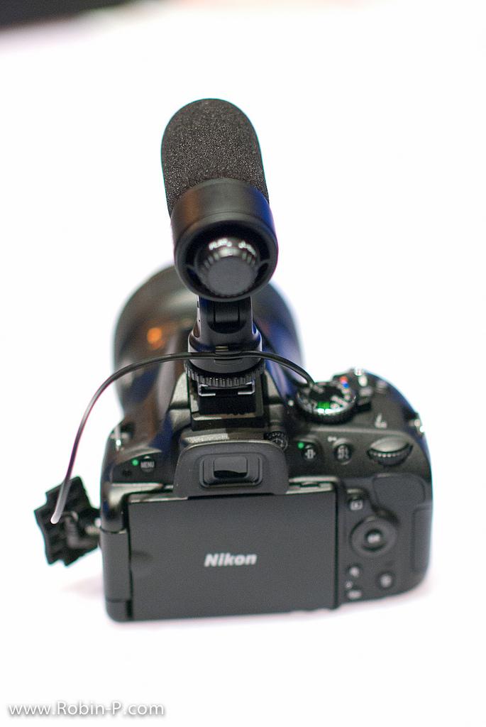 Nikon D5100 avec le micro stéréo externe Nikon ME-1