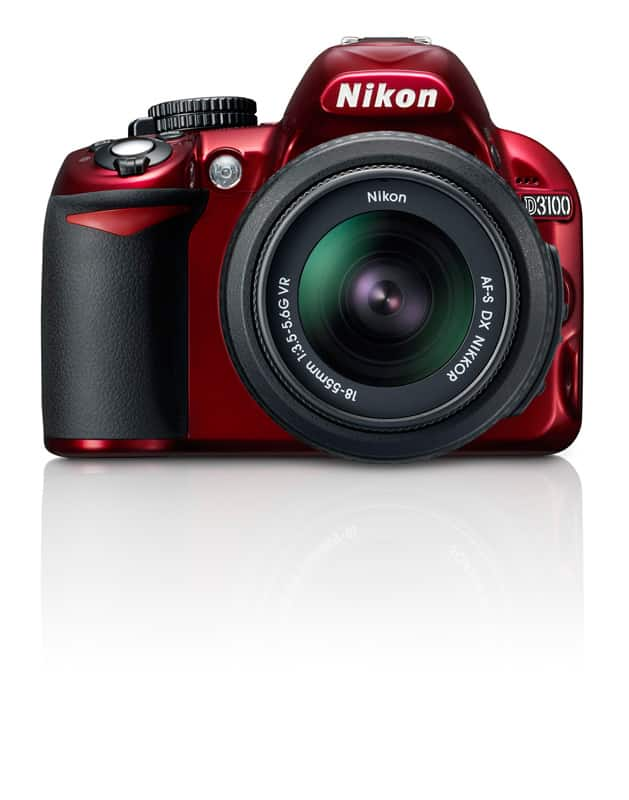 Nikon_D3100_face_couleur_rouge.jpg