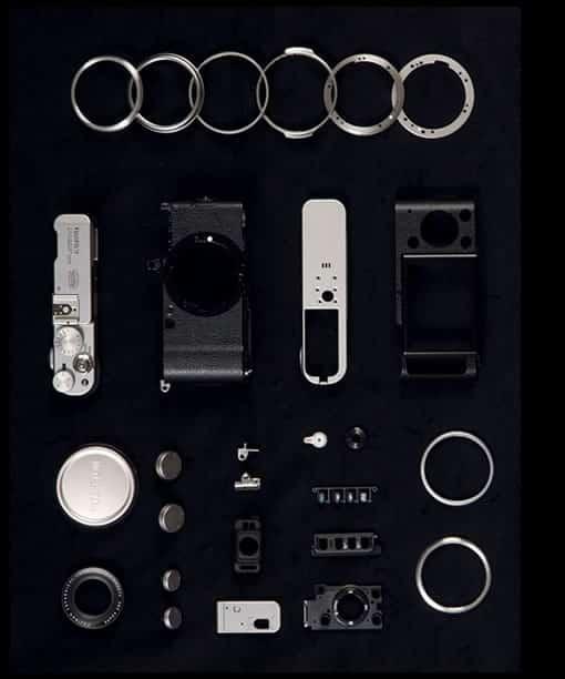 Le Fuji X100 en pièces détachées