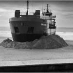 Philippe Marchand Photographe - la cargo Artemis échoué sur la plage des Sables d