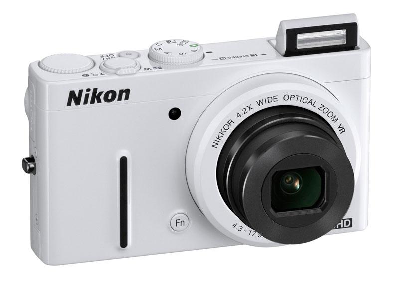Nikon Coolpix P310 vu de face