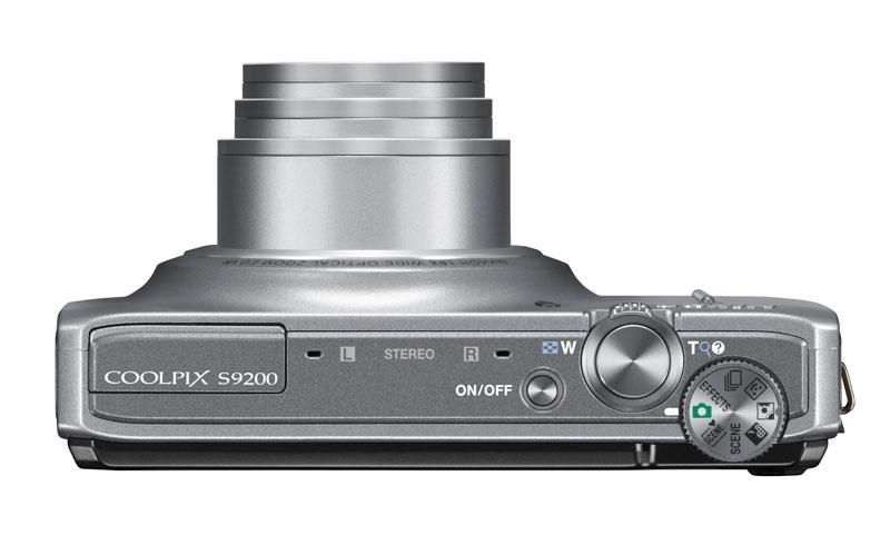 Nikon Coolpix  S9200 vu de dessus