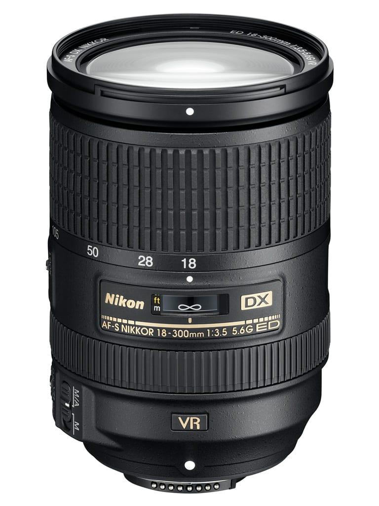 Nikon AF-S DX Nikkor 18-300mm f/3.5-5.6G ED VR, zoom DX - 980 euros