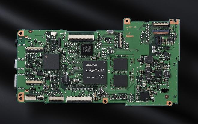 Nikon D600 processeur ASIC 1