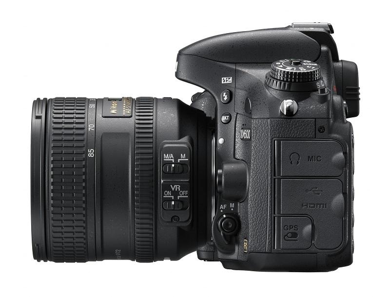 Nikon D600 vu face gauche