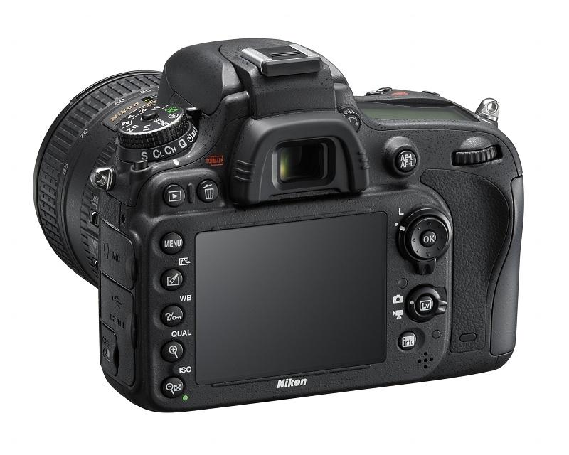 Nikon D600 vu de dos avec écran LCD