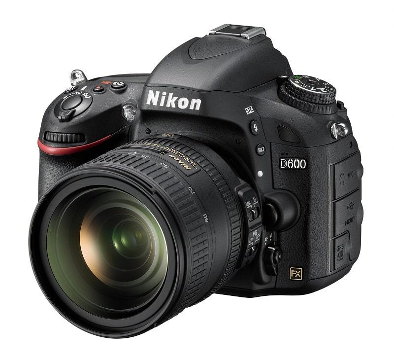 Nikon D600 vu de face
