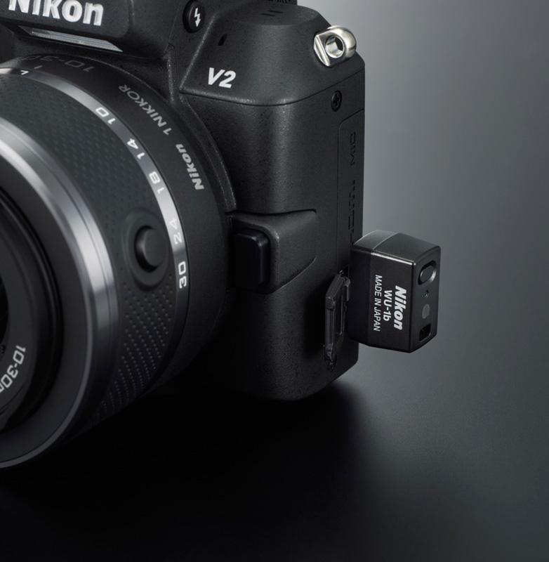 Nikon 1 V2 avec module Wi-Fi WU-1b