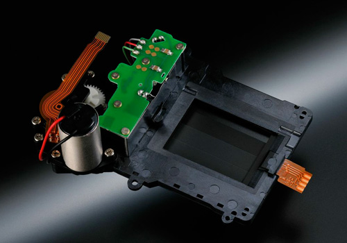 Nikon D7100 : DX, 24Mp, 25600 ISO, FullHD, sans filtre AA, 1149 euros