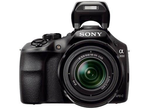 Sony Alpha 3000 : mi-reflex, mi-hybride, 20Mp APS-C, 400 euros