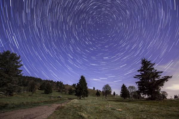 Comment photographier les aurores boréales, la pleine lune, la foudre et la voie lactée