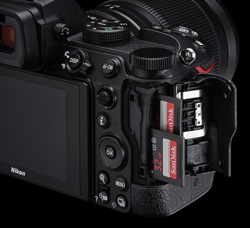 Nikon Z 5 : deux cartes SD UHS-II