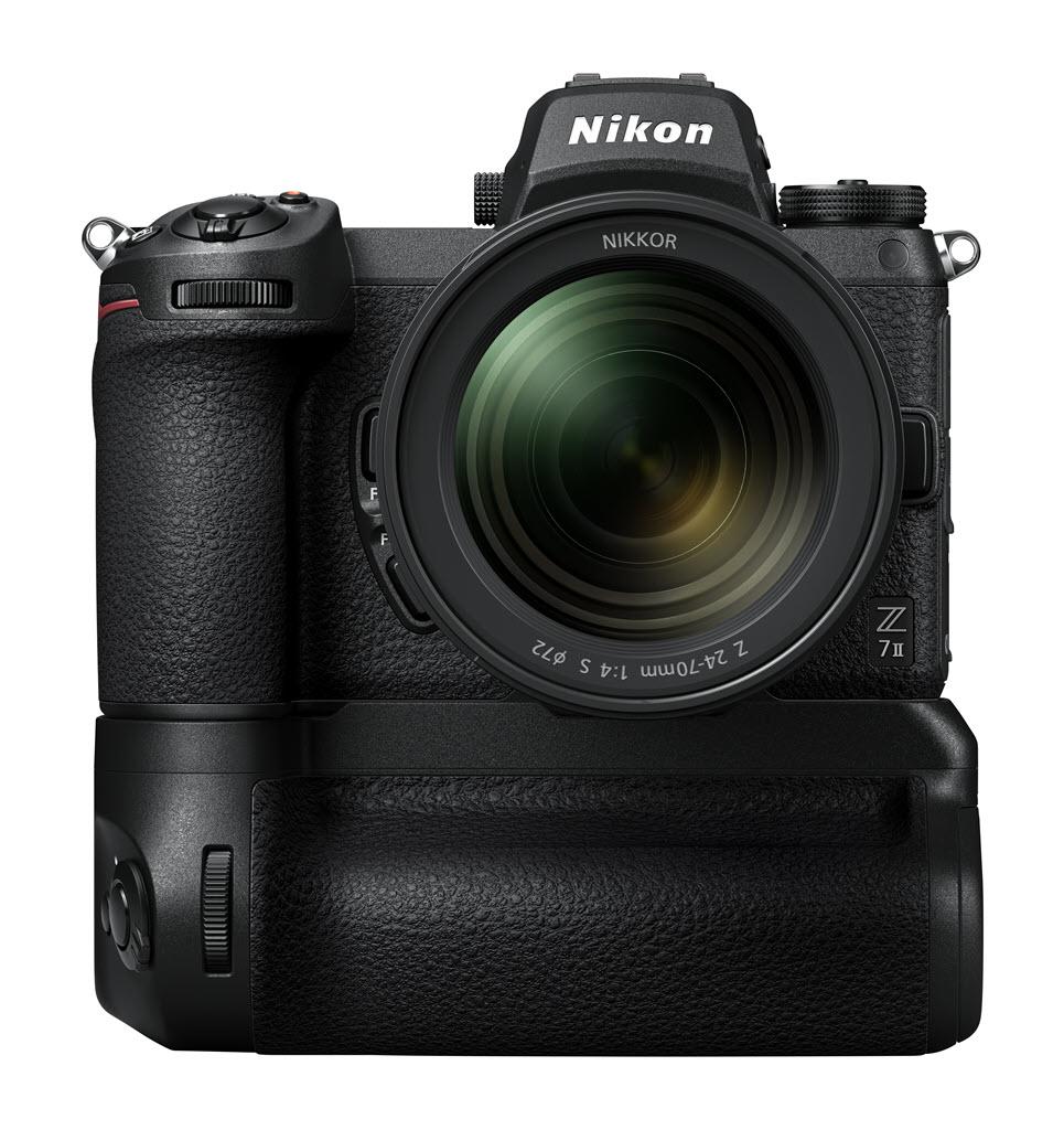 Nikon Z 7 série 2 avec poignée grip Nikon MB-N11 vu de face