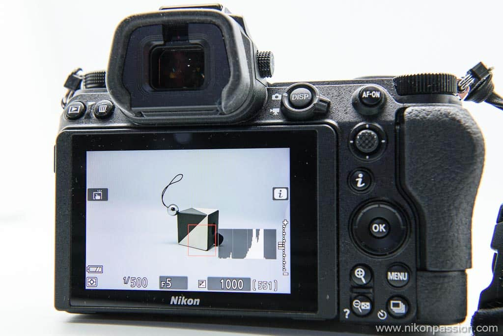 Ecran arrière Nikon Z 6II avec histogramme