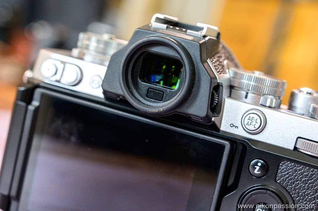 Nikon Z fc œilleton rond