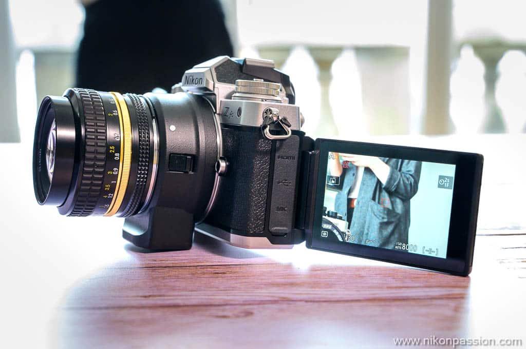 Nikon Z fc écran orientable inclinable